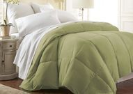 Hotel Quality Luxury Down Alternative Comforter (Queen)